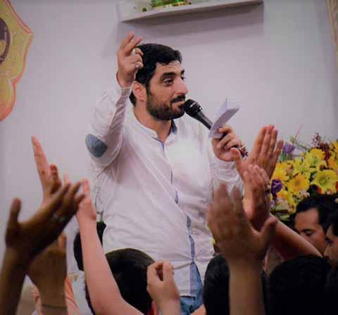 دانلود مولودی مجید بنی فاطمه و محمود کریمی به نام به دور امیر کرم گشته ام